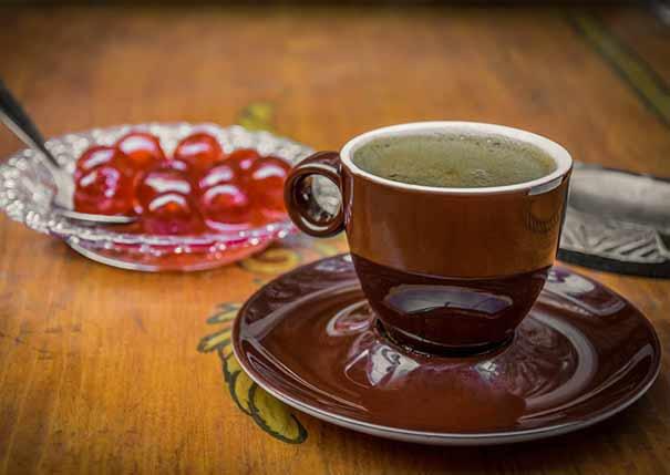 καφές με γλυκό